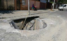 GALERIE FOTO/ Groapa din zona Rizer, gură de metrou sau punct de inceput pentru tunel?