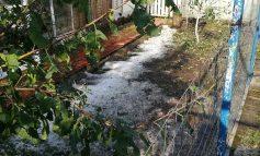VIDEO/Bilanțul furtunii din județul Galați. Zeci de case și terenuri inundate, numeroase culturi agricole distruse de grindină