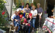 La 100 de ani / Distincţie pentru longevitate, primită de o bătrână din Galaţi