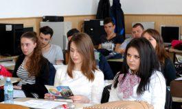 """Universitatea """"Dunărea de Jos"""" din Galați sprijină copiii absolvenților cu reduceri substanțiale la Admiterea 2018"""