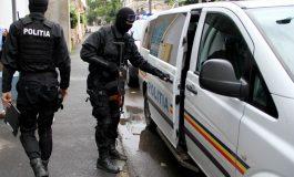 Video/ O bătaie cu ciomege a avut loc în jurul unui bloc din Galați