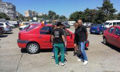 La protest, pe ascuns. Doar o mână de oameni pregătiţi să plece la mitingul diasporei!