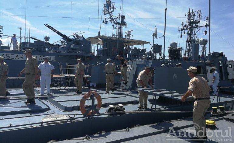 Aplauze de pe mal. Flotila marinei militare, întâmpinată cu braţele deschise la Galaţi