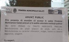 """Anunț important: gălățenii care au tricouri inscripționate cu mesajul """"Trăiască PSD"""" nu sunt primiți în sediile Primăriei Galați"""