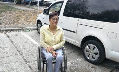 Persoanele cu dizabilităţi nu pot circula normal nici cu taxiul. Singurul taxi adaptat din Galaţi nu are licenţă de transport!