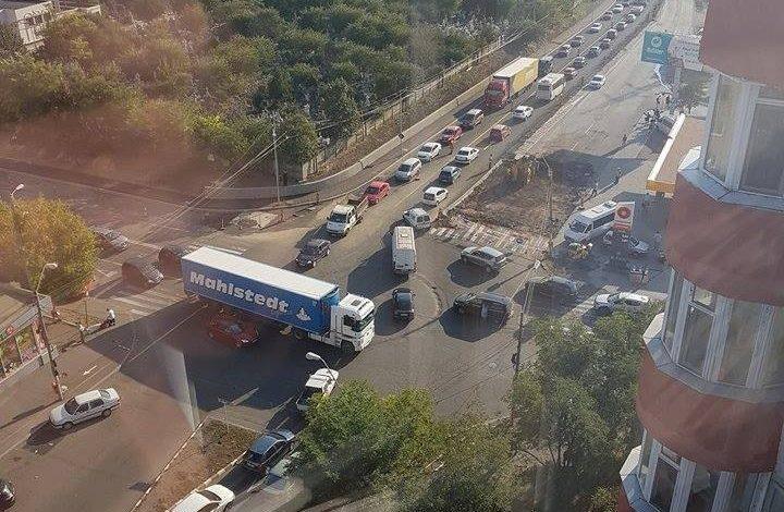 La îndemnul prim-ministrului, şoferii gălăţeni îşi declară dragostea faţă de administraţia locală!