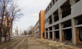 Când şi cum scapă Galaţiul de clădirile care stau să cadă?