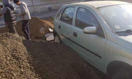 O mașină încăpățânată nu s-a ferit din calea lui Dorel