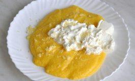 Tradiţionala iahnie, înlocuită cu mămăligă cu brânză la masa populară de 1 Decembrie de la Alba Iulia