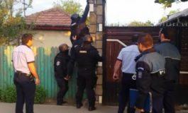 Percheziţii la domiciliul unui bucureştean acuzat de înşelăciune. A distrus nunta şi botezul mai multor cupluri de tineri din Prahova