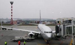 Întârzieri de până la 30 de minute pe aeroporturile bucureştene, la decolarea aeronavelor, pentru degivrare