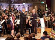 """Primarul Pucheanu a primit premiul de """"Excelență în sănătate"""" pentru că a înființat un centru de permanență în Micro 39"""