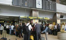 Un român a amenințat pasagerii cu CUȚITUL pe aeroportul din Amsterdam