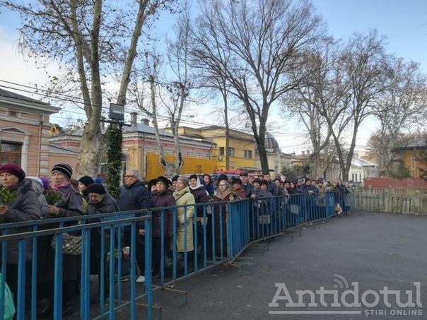 În așteptarea podului peste Dunăre, brăilenii s-au ales cu niște moaște