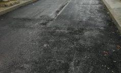 Modernizare şi nu prea. O stradă din Galaţi, de la noroi la ceva ce seamănă cu asfaltul!