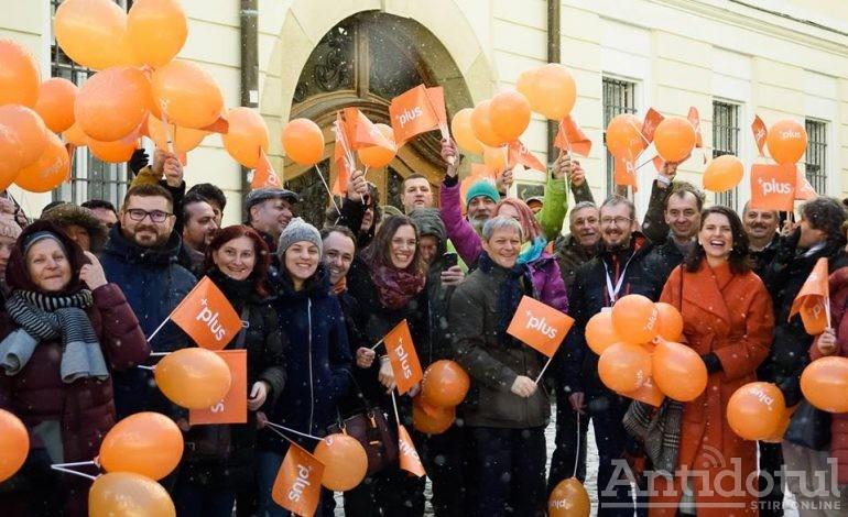 Băi, voi ăștia din dreapta, fiți gata că vine Cioloș și vă ia electoratul cu lopata