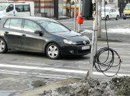 Treabă românească! Unde nu e stâlp, vai de cabluri.