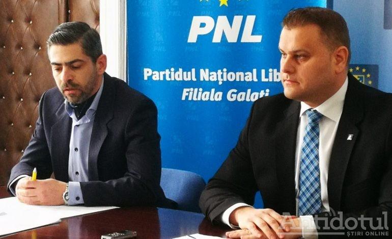 Culmea mârlăniei politice: să faci conferință împreună cu un coleg de partid, dar să te lauzi de unul singur la presă