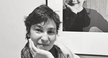 """Fabuloasa viaţă a Ilincăi Kung Parslow, orfana care a răzbit până în Parlamentul European:""""La 16 ani am hotărât să fug din România trecând Dunărea înot"""""""