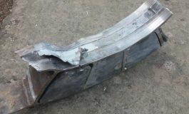 Atenţie la ce cade din cer! Balconul unei brăilence, distrus de o bucată de metal din văzduh!
