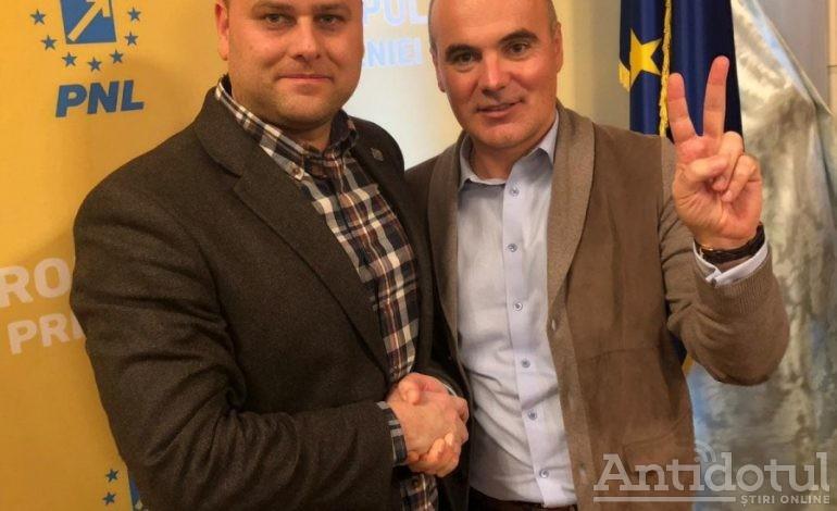 Dileme electorale. George Stângă îl laudă pe Rareş Bogdan de parcă l-ar vrea la primăria Galaţi!