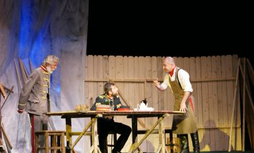 """Teatrul din Bârlad aduce vineri """"O noapte furtunoasă""""."""