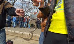 VIDEO/Scandal în timpul conferinței de alegeri de la PSD Brăila: un bărbat a fost evacuat din sală după ce i-a acuzat pe liderii PSD că au distrus țara