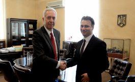 """Excelența Sa, Hans G. Klemm, Ambasadorul Statelor Unite ale Americii în România, a fost astăzi oaspetele Universității """"Dunărea de Jos"""" din Galați"""