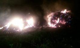 Incendiu devastator într-o gospodărie din Olt. Au ars zeci de tone de furaje, focul fiind pus intenţionat