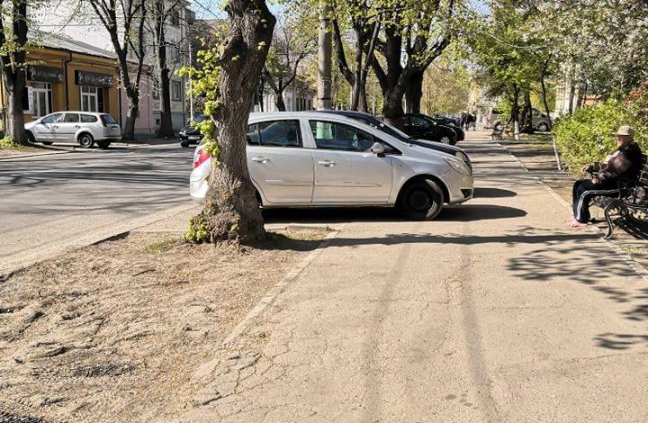 Şi eu unde mai parchez? Gălăţenii de pe Domnească se plâng că poliţiştii dau amenzi doar pe sărite!