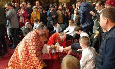 VIDEO/Surpriză mare la ceremonia de spălare a picioarelor de la Catedrala Arhiepiscopală din Galați