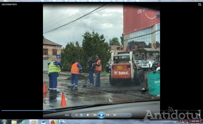 VIDEO/Revoluție în construcții: la Galați s-a inventat stratul asfaltic cu apă și coji de semințe