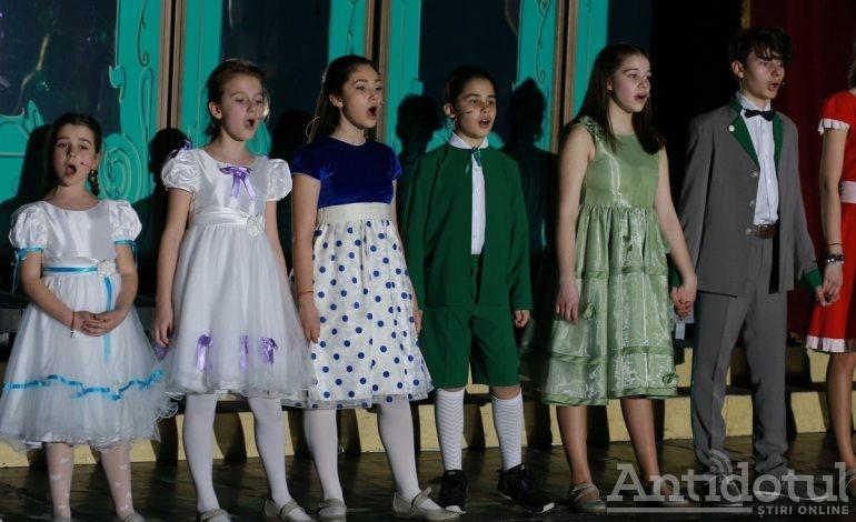 """Concert de Enescu, musical de Broadway și comedie muzicală la Teatrul Național de Operă și Operetă """"Nae Leonard"""""""