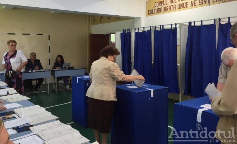 PNL și USR, discuții timide despre candidați comuni la locale