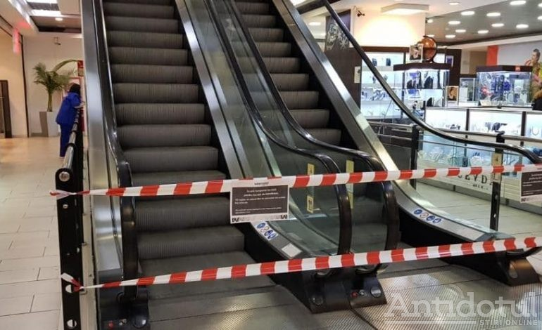 Un reper al orașului Galați, în pericol: scările rulante de la fostul magazin Modern au fost oprite