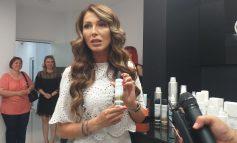 VIDEO/Ilinica Vandici a lansat, la salonul GLASS Beauty House, o gamă de produse non-toxice pentru păr