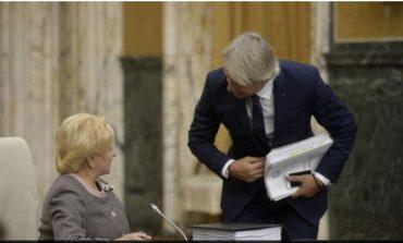 Brăilenii au umor: Mihai Tudose își imaginează o partidă de cex între Răzvan Cuc și Viorica Dăncilă