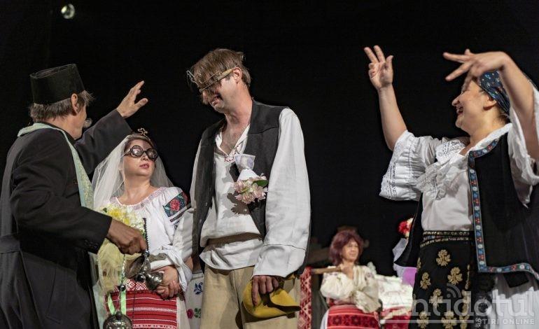 """""""Soacra cu trei nurori"""" și """"Monstrul nisipurilor"""",în weekend la Teatrul Dramatic"""