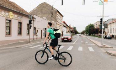 Cum se circulă cu adevărat corect cu bicicleta. Regulile valabile pentru virajul la stânga