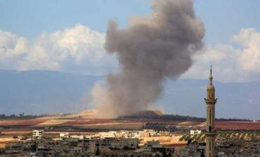 Războiul civil din Siria: 3 morti şi 12 răniţi, în urma unui atac aerian. Turcia acuză că acesta a vizat convoiul său care voia să ajute un grup terorist