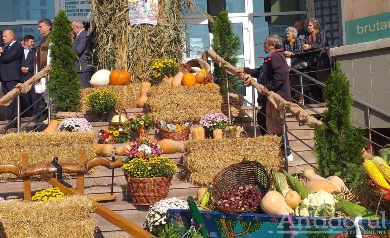 FOTO/Târgul de Toamnă s-a făcut mare: la Galați a început a 18-a ediție a evenimentului