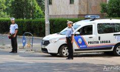Cascadorii plânsului: un gălățean s-a luat de polițiști deși conducea o mașină neînmatriculată și nu avea permis
