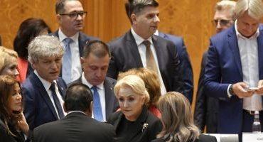 TRU, despre candidaţii la preşedinţie: Iohannis – sfinx deficitar. Barna – palavragiu urban deficitar. Dăncilă: deficitară