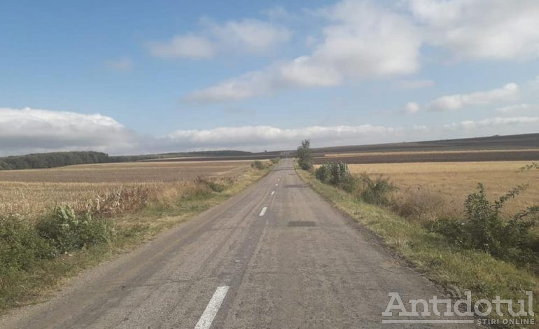 Un drum județean va fi modernizat. Șoseaua nu a mai fost asfaltată de 40 de ani