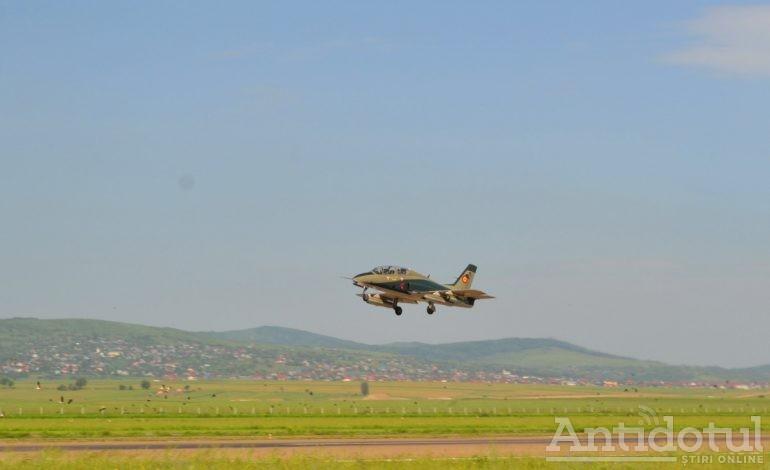 Am aflat ce-i cu avioanele care trec peste zona Galați-Brăila