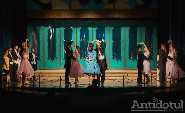 """Musical de pe Broadway și concert aniversar Teodor Munteanu la Teatrul Național """"Nae Leonard"""" Galați"""
