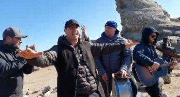 VIDEO Recital inedit în vârf de munte. Zdob şi Zdub a cântat lângă Sfinxul din Bucegi