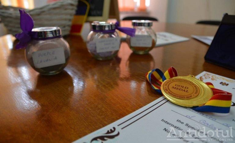 Câțiva profesori de la Universitatea Dunărea de Jos din Galați au furat tot aurul de la o expoziție internațională desfășurată la Chișinău