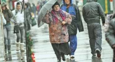 Prognoza meteo: Se întoarce vremea rea. Unde lovesc precipitaţiile, în ce zone se anunţă minus 20 de grade şi lapoviţă