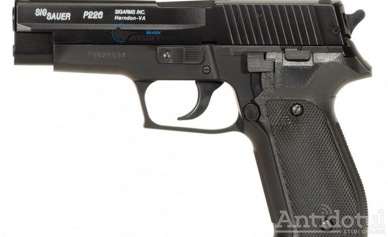 """Ne vedem la """"Iartă-mă"""": un gălățean și-a fugărit fosta iubită cu pistolul pe o stradă din oraș"""